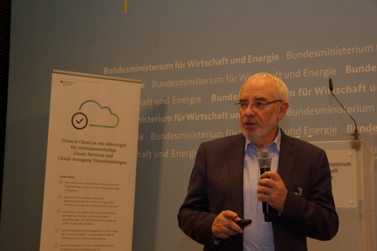Professor Dr. Alexander Rossnagel, Universität Kassel auf der Trusted Cloud Lounge am 17.01.2018